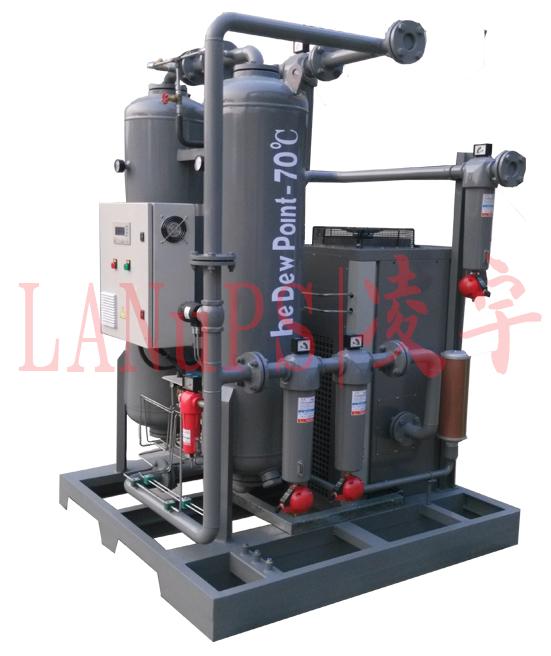 组合式干燥机产品介绍 中山市凌宇机械有限公司自主研发并制造自主-70组合式干燥机,通过合理的管道连接和容量搭配,最大限度地发挥了冷干机和吸干机的优点,从而达到最佳经济运行点和高品质的低露点成品气。  额定进气压力:.07MPa(0.5-1.0)允许使用 额定进气温度:≤45 空气露点:-40~~-70 压力损失:≤0.